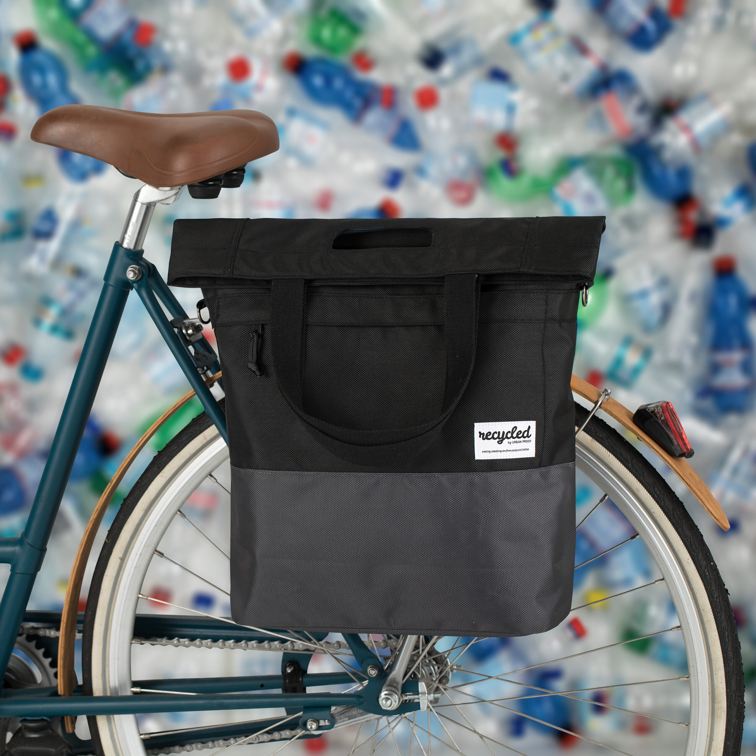 Product image Shopper Bicycle Bag 20L Recycled – Black Grey